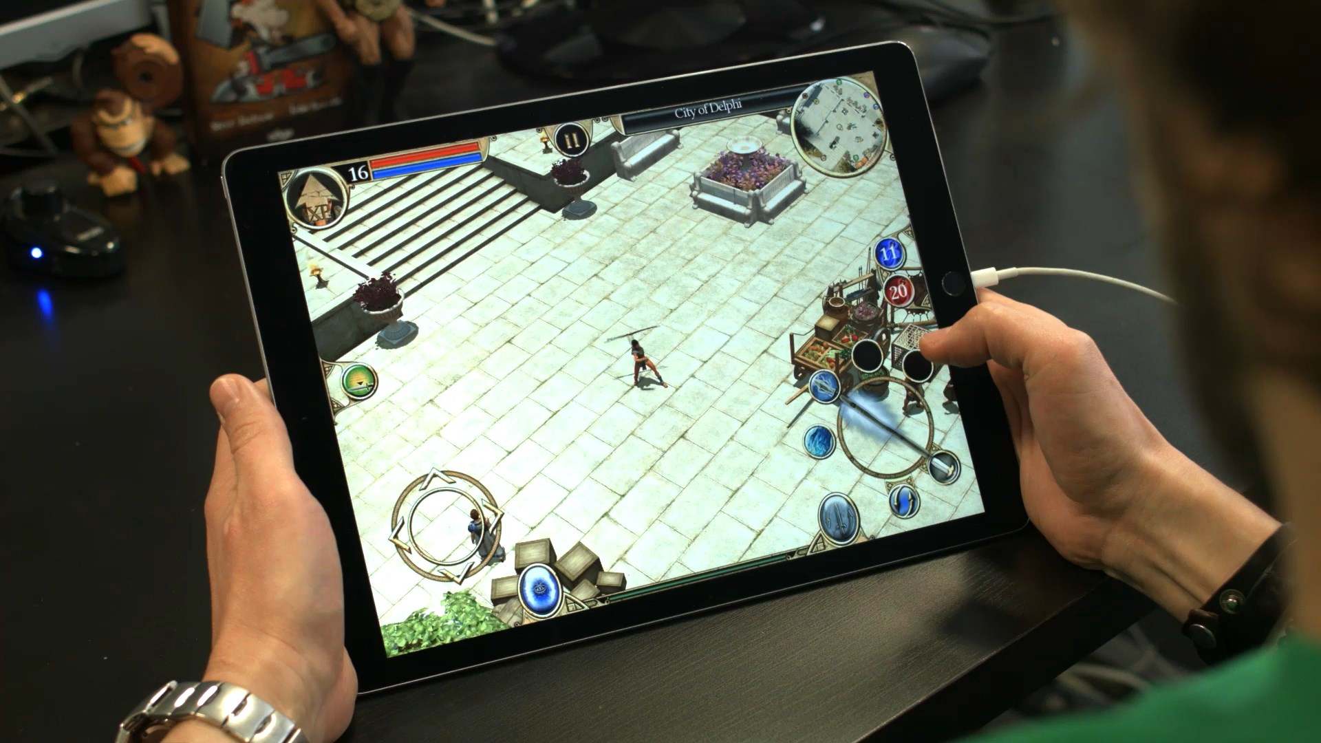 Devblog – How to adapt Titan Quest to mobile and tablet?